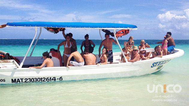 embarcaciones hacia el arrecife de coral en Puerto Morelos